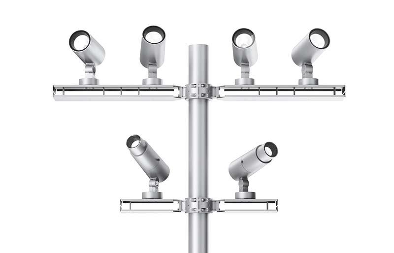 An Masten wird der elegante kleine Projektor aus grauem Aluminiumdruckguss einfach an den Auslegern oder Flanschen montiert. Foto: iGuzzini
