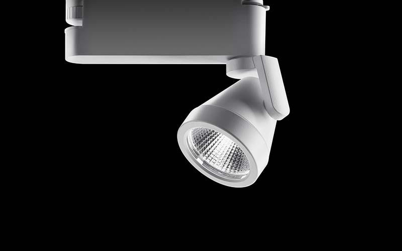 Der Ontero XR Leuchtenkopf mit lediglich 90 mm Durchmesser bietet viel Lichtqualität aus kleinstem Volumen. Die Treiberelektronik findet im Poweradapter Platz, der in der 34-Watt-Ausführung mit einem Potentiometer zur individuellen Einstellung der Helligkeit ausgestattet ist. Foto: BÄRO