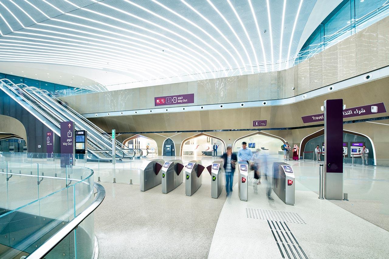 25 Kilometer Lichtlinien für die Bahnhöfe der neuen Metro in Doha